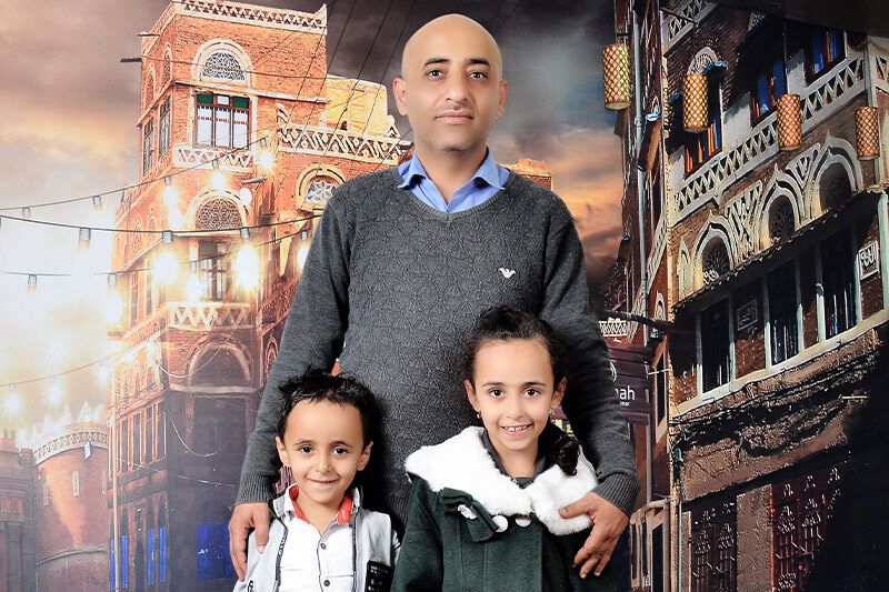 Anwar and his children, Nadra and Mazeen.
